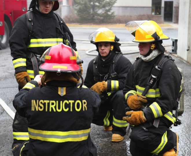 Training-Safety_FireInstructor_iStock-182377876_web