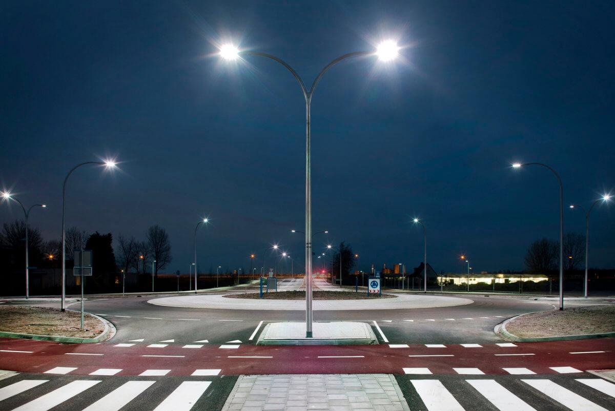 Hazard Alert – Light Pole & Traffic Signal Electrical Hazards